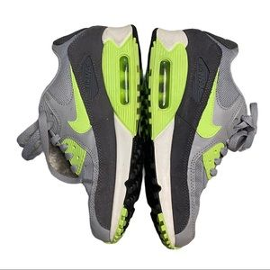 - Womens Nike Air Max Fluorescent Grey White & …